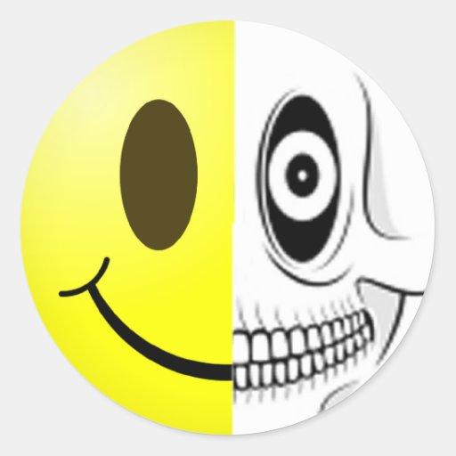 Autocollant souriant de crâne