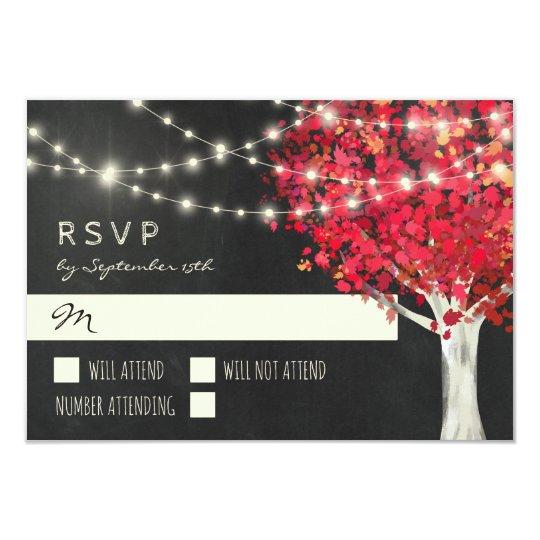 Automne rouge de lumières d'arbre et de ficelle carton d'invitation 8,89 cm x 12,70 cm