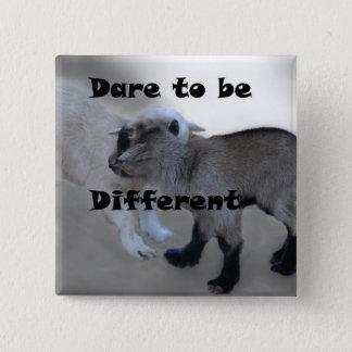 Badge Carré 5 Cm Défi à être différent