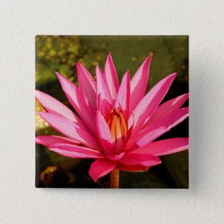 Badge Carré 5 Cm Fleur de Lotus dans la nature