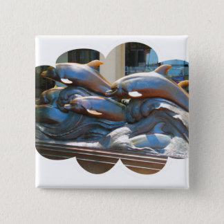 Badge Carré 5 Cm Statue de danse de dauphin en dehors d'aquarium de