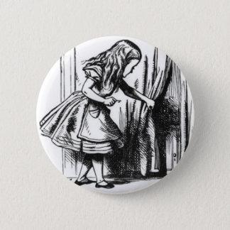 Badge Rond 5 Cm Alice trouve une porte
