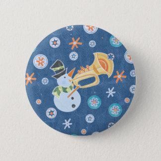 Badge Rond 5 Cm Bonhomme de neige de trompette faisant la musique