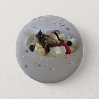 Badge Rond 5 Cm Boule fondue de chocolat avec de la crème de