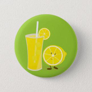 Badge Rond 5 Cm Caractère de citron se tenant à côté de la