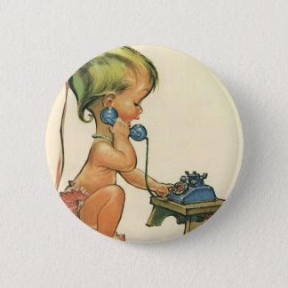 Badge Rond 5 Cm Fille blonde mignonne d'enfant vintage parlant au