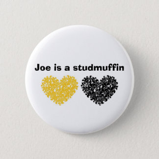 Badge Rond 5 Cm Joe est un studmuffin