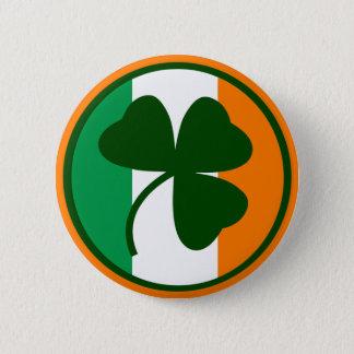 Badge Rond 5 Cm Logo irlandais, shamrock sur des couleurs de
