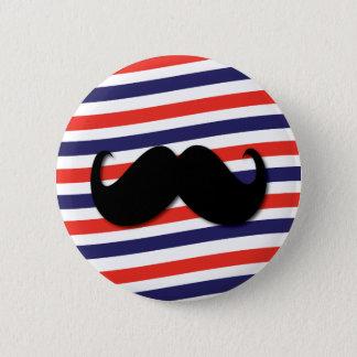 Badge Rond 5 Cm Moustache avec les rayures rouges, blanches et
