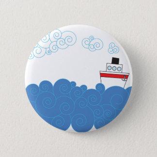 Badge Rond 5 Cm Peu de bateau sur la mer