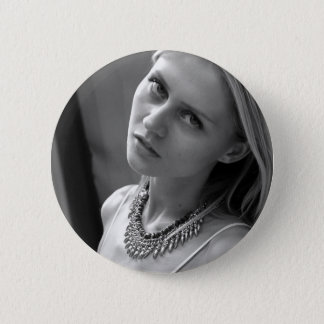 BADGE ROND 5 CM PIN DE BOUTON D'ALESSIA SUSHKO (COLLECTABLE)