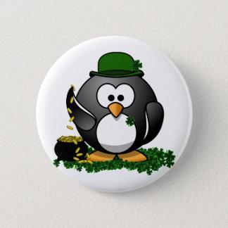 Badge Rond 5 Cm Pingouin chanceux du jour de St Patrick avec le