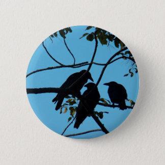 Badge Rond 5 Cm Trois corneilles dans un arbre