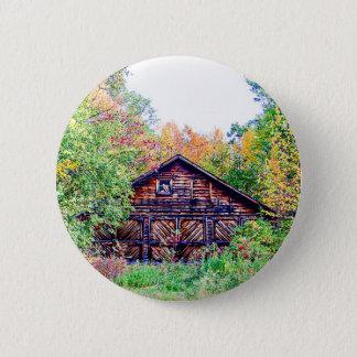 Badge Rond 5 Cm Vieille grange en automne