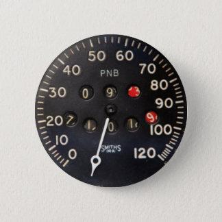 Badge Rond 5 Cm Vieille mesure de tachymètre d'une voiture de