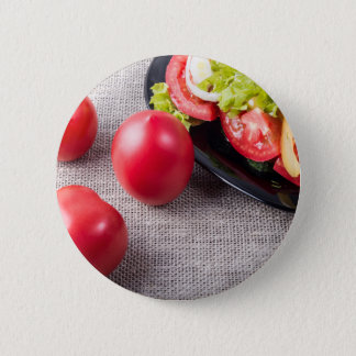 Badge Rond 5 Cm Vue supérieure en gros plan sur des tomates