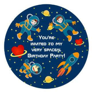 Badine des astronautes aiment une fête d anniversa