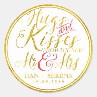 Baisers d'étreintes d'or de nouveau M. Mme Wedding Sticker Rond