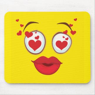 Baisers du visage souriant jaune tapis de souris