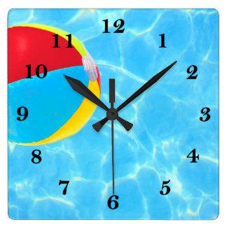 Ballon de plage horloge carrée