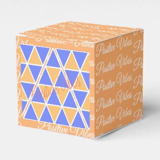 Ballotins Boîte-cadeau géniale de pyramides de triangles de