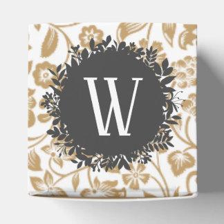 Ballotins Motif floral d'or avec le monogramme gris-foncé de