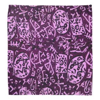 Bandana pourpre de pétroglyphes