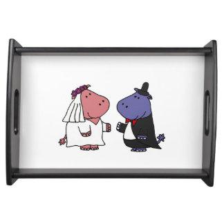Bande dessinée drôle de mariage d'hippopotame de plateau de service