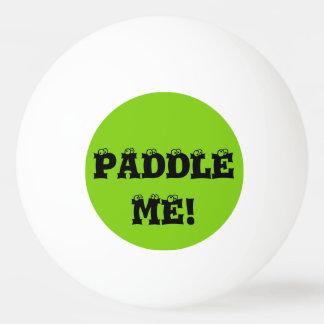 Barbotez-moi les boules de ping-pong faites sur balle de ping pong