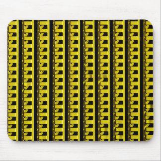 Barrière jaune tapis de souris