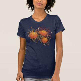 Basket-ball et chemise de feux d'artifice t-shirt