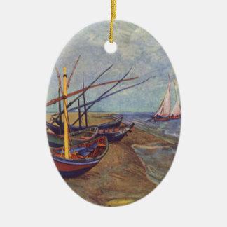 Bateaux de pêche sur la plage par Vincent van Gogh Ornement Ovale En Céramique