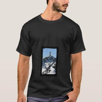 bâti de l'ONU de sur de humaine d'elle médite de T-shirt