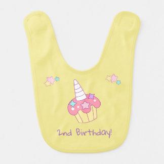 Bavoir d'anniversaire de petit gâteau