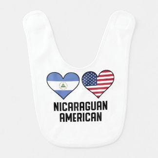 Bavoir Drapeaux américains de Nicaragua de coeur