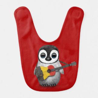 Bavoir Pingouin de bébé jouant le rouge belge de guitare
