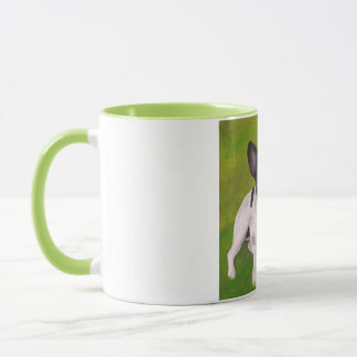 Beau bouledogue français noir et blanc sur l'herbe mug