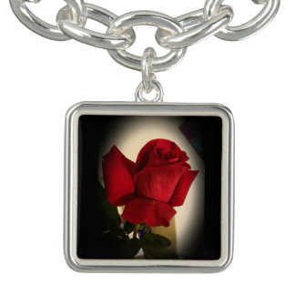 Beau bracelet simple de charme de rose rouge