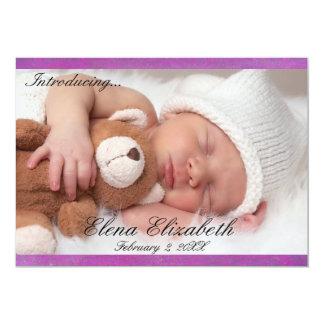 Beau faire-part nouveau-né pourpre de fille