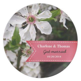 Beau mariage blanc de fleur assiettes en mélamine