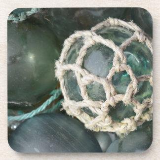 Beaucoup de flotteurs en verre de pêche, Alaska Dessous-de-verre