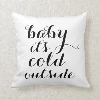 Bébé du coussin | c'est extérieur froid - blanc