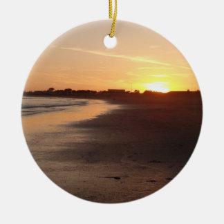 Bel ornement de plage de coucher du soleil de la