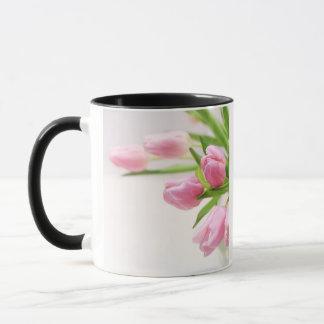 Belles tulipes roses mug