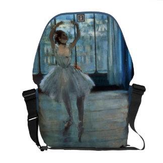 Besaces Danseur d'Edgar Degas | devant une fenêtre