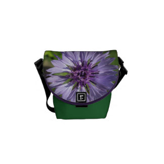 Besaces Le bouton de célibataire lilas/pourpre de sac