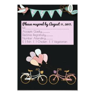 Bicyclette tandem épousant la carte