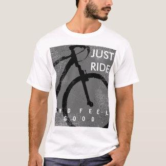bicyclette. tour et sensation faisants du vélo t-shirt