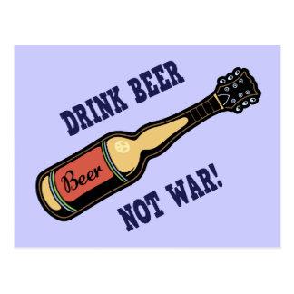 Bière de boissons, pas guerre ! carte postale