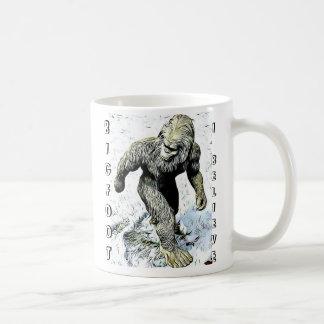 Bigfoot I croient la tasse de café